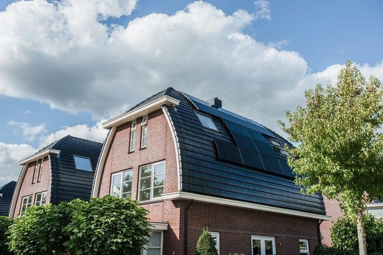 gebogen dak zonnepanelen